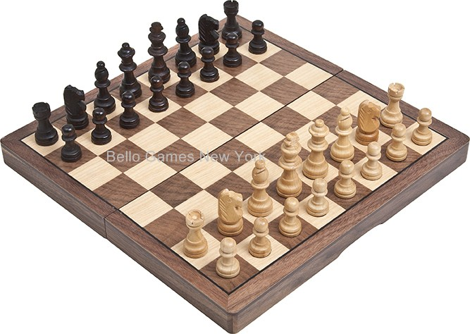 Washington Square Park Maple/Walnut Magnetic Chess Set