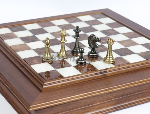 Bello Stefano Staunton Chessmen from Italy