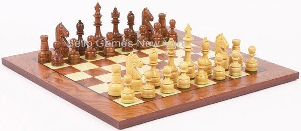 Paramount Staunton Chessmen & Agostino Chess Board from Italy