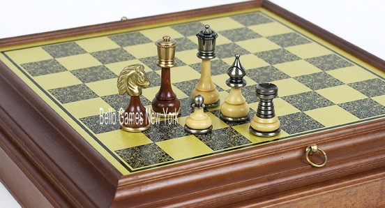 Bello Italiano Chessmen from Italy