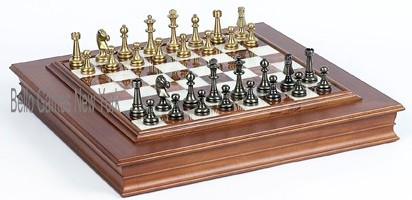 Bello Stefano Chessmen & Napolitano Cabinet Board from Italy