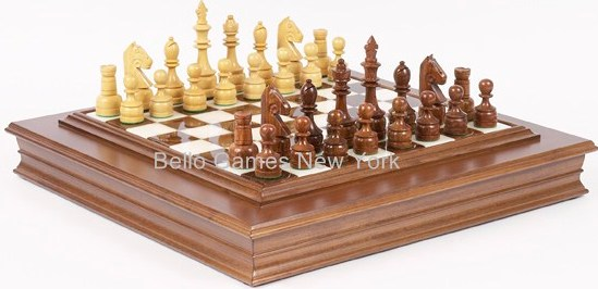 Paramount Staunton Chessmen & Alabastro Board from Italy